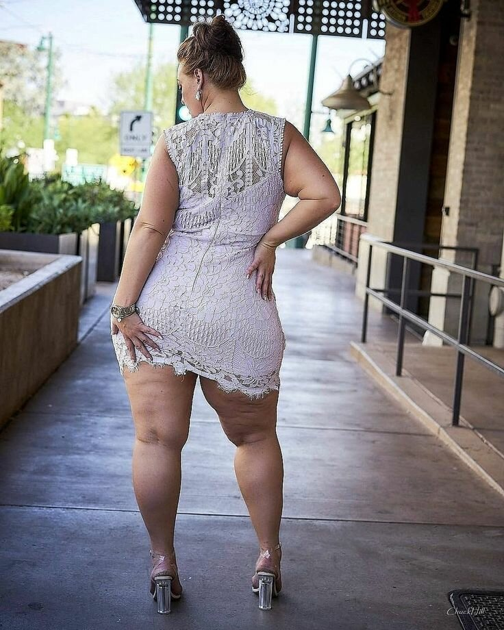 жирные ноги баб такому