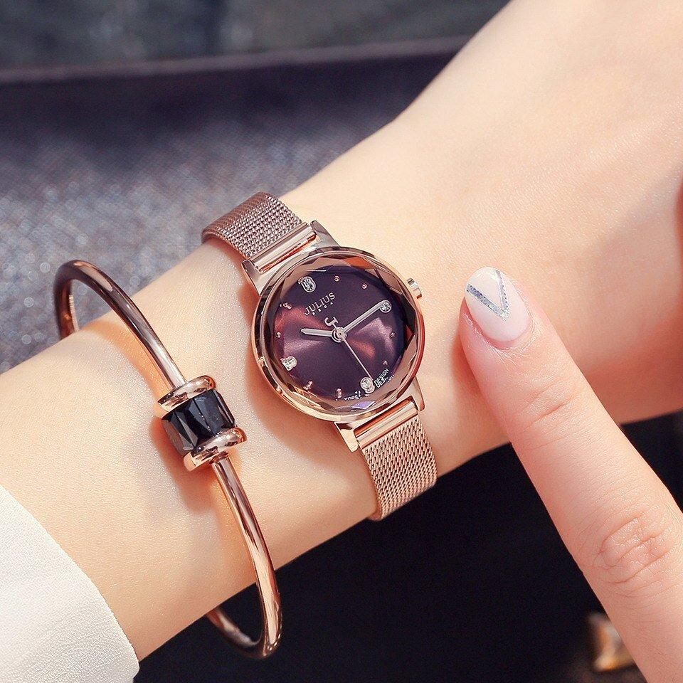 Часы фото на руку женские металлический ремень