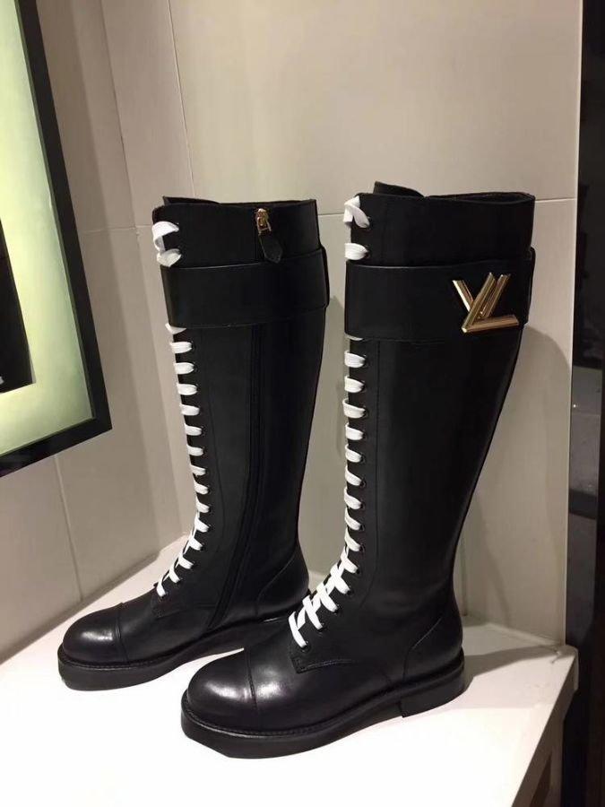 8f53b9700275 Сапоги зимние Louis Vuitton женские. Коллекция Осень-зима   Обувь Для  Женщин   Перейти