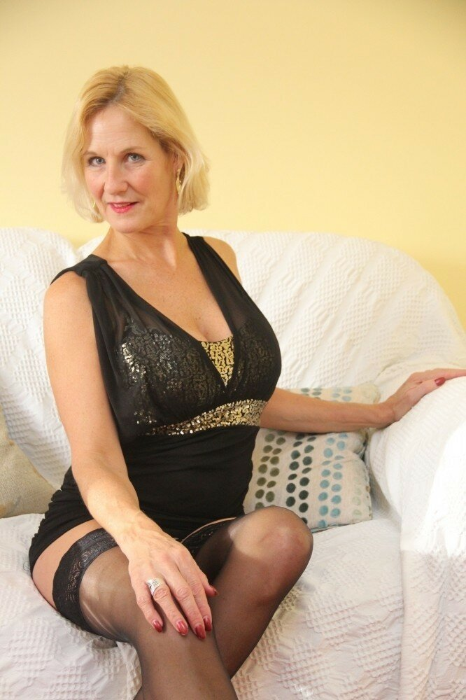 mature-naturals-videos-photos