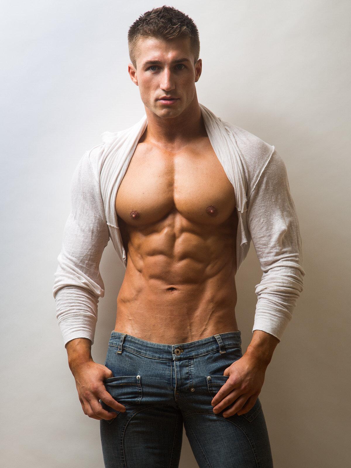 аудитория, картинка мускулистый парень был разочарован, когда