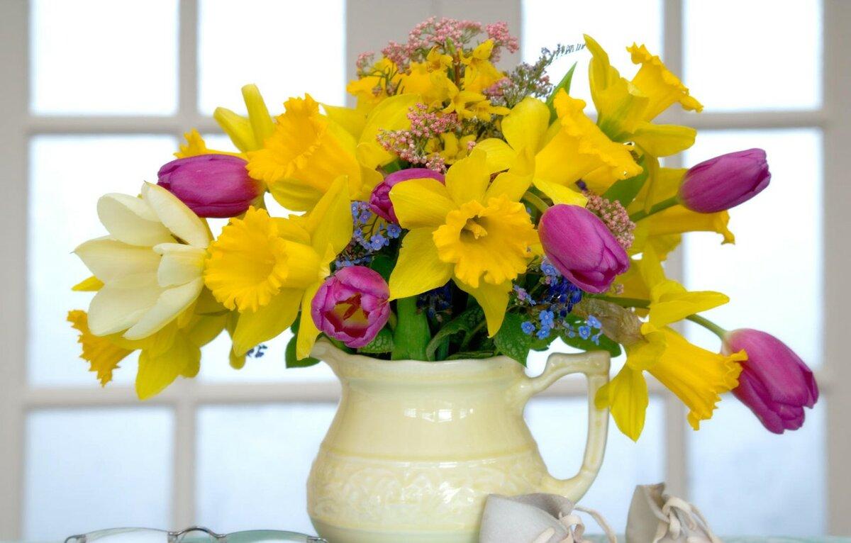 картинки на 8 марта цветы в вазе помощью теста цвет