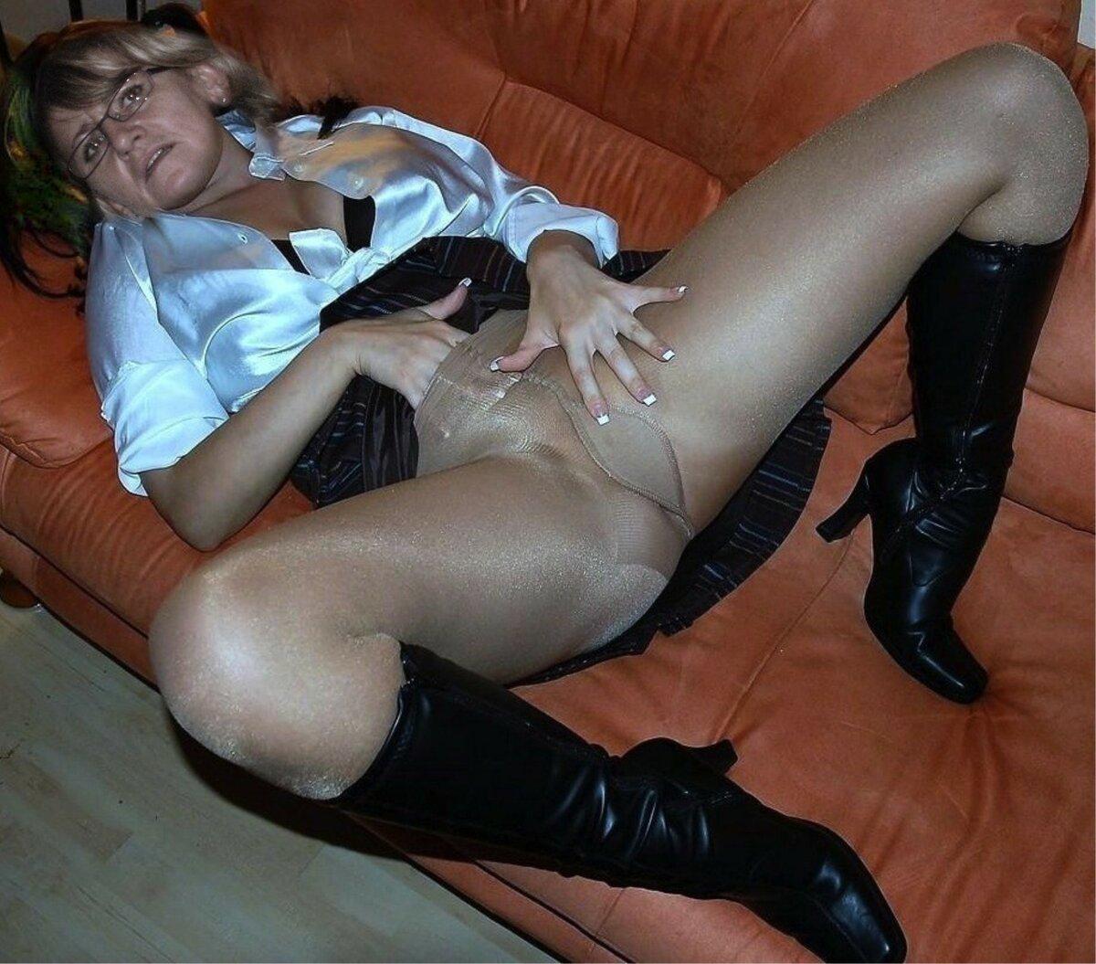 Секс фото в нейлоне, анус и пилотка крупным планом