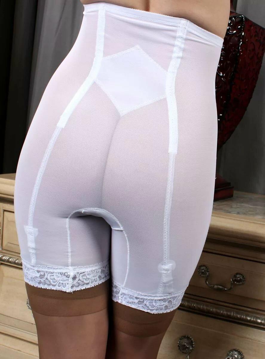 odevanie-poverh-kolgotok-trusikov-ili-pantalon