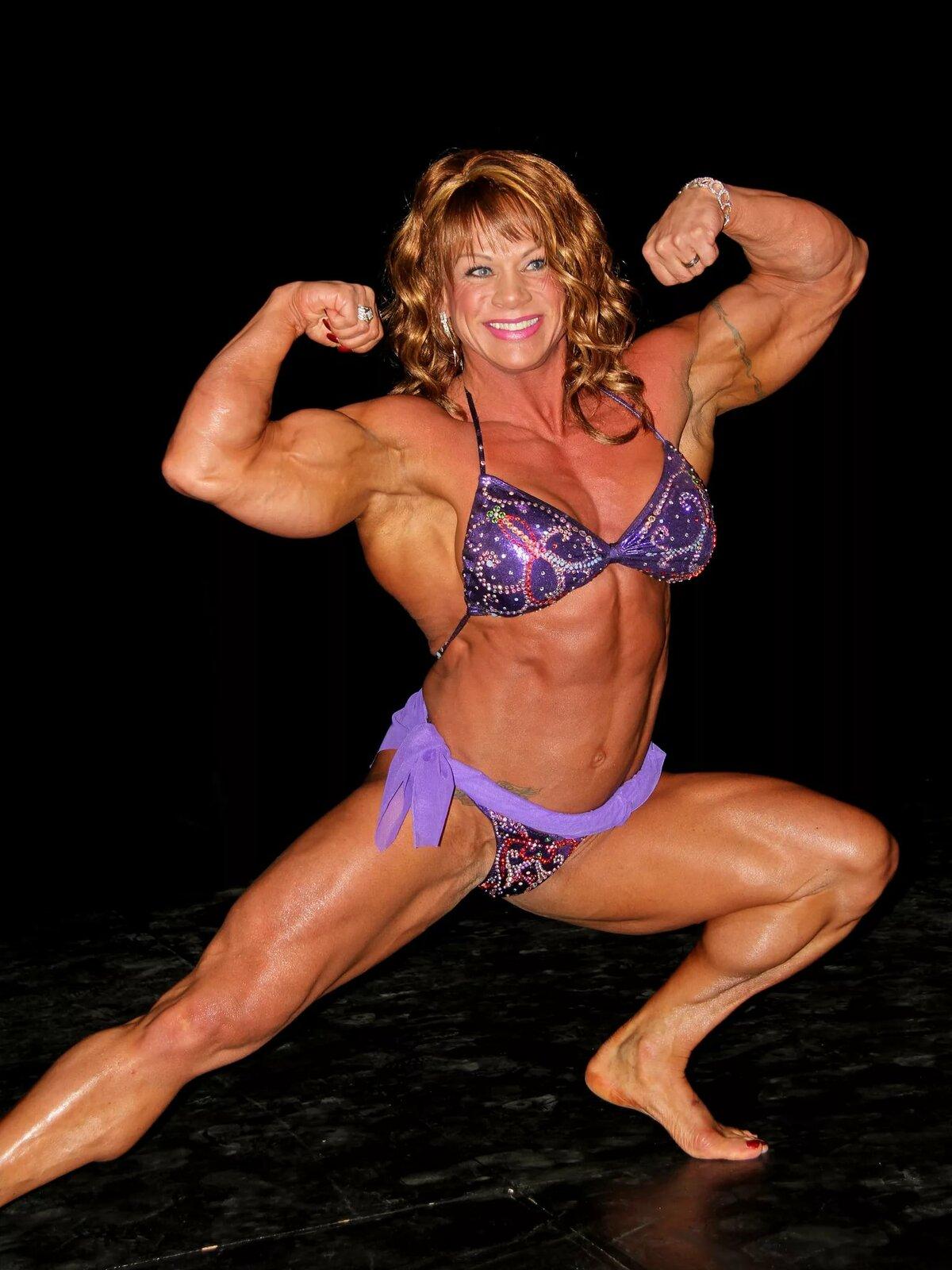 Belle senior female bodybuilders fucking gifs