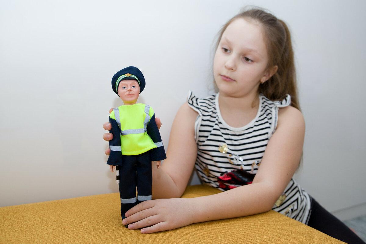 Куклы по профессиям. Инспектор ГАИ Борис.