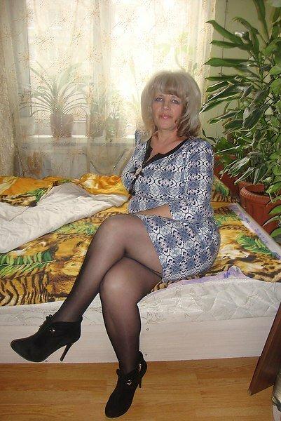 video-more-lyubitelskie-fotografii-pozhilih-zhenshin-v-kolgotkah-porno