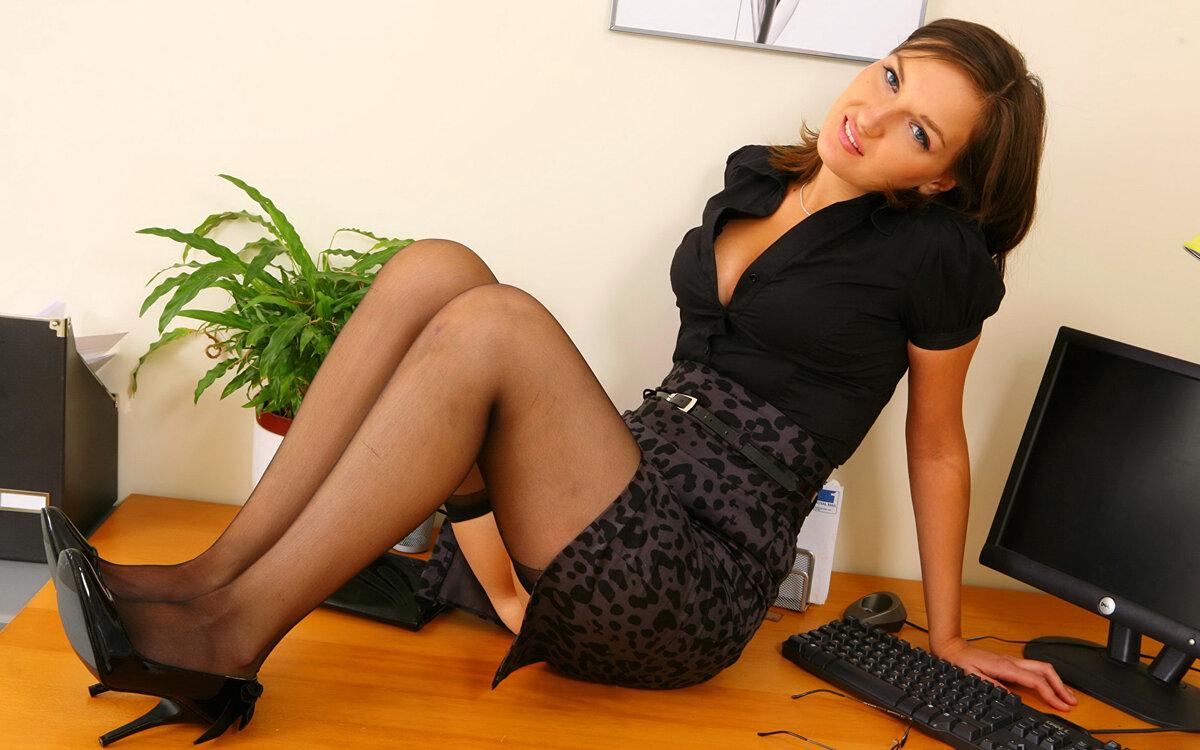 ебем секретарш смотреть онлайн вас чужой