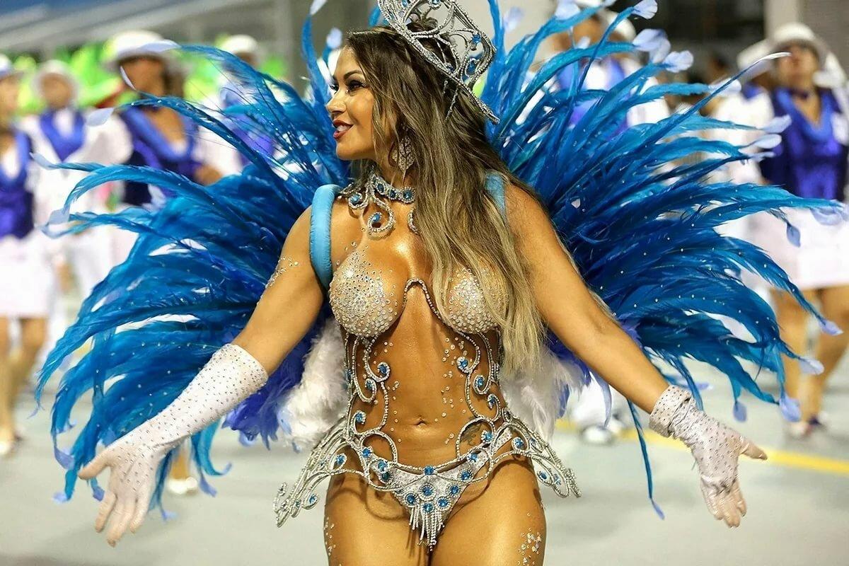 devushki-s-karnavalov-brazilii-foto-erotika-v-vozraste-belie-trusiki