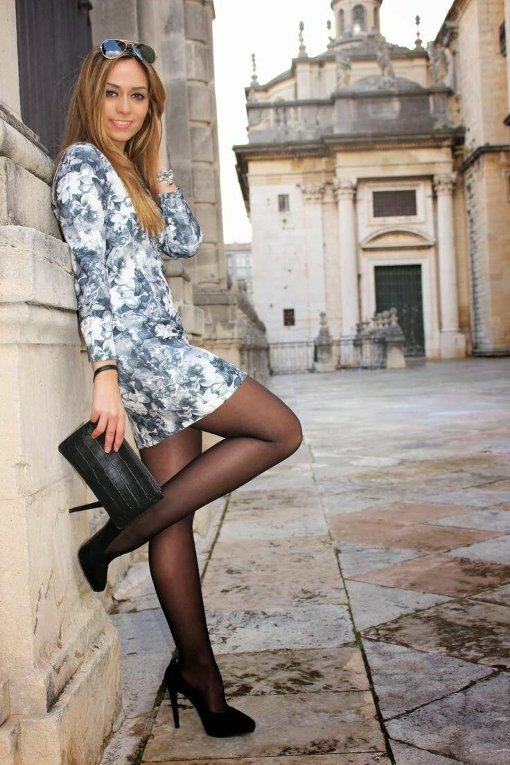 Beautiful women in nylons — pic 13