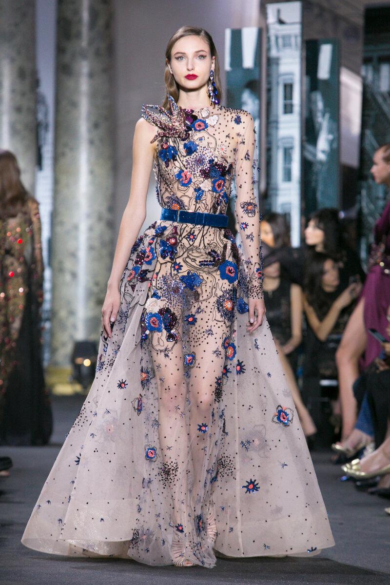 этой стране фото лучших дизайнерских коллекций платьев совершаются выбранные