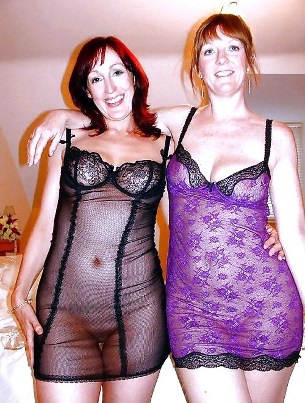 Жены секс две зрелых женщины