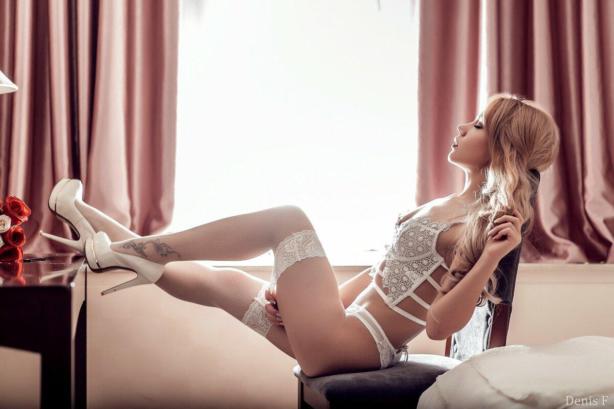 красивый секс девушек в чулках - 8