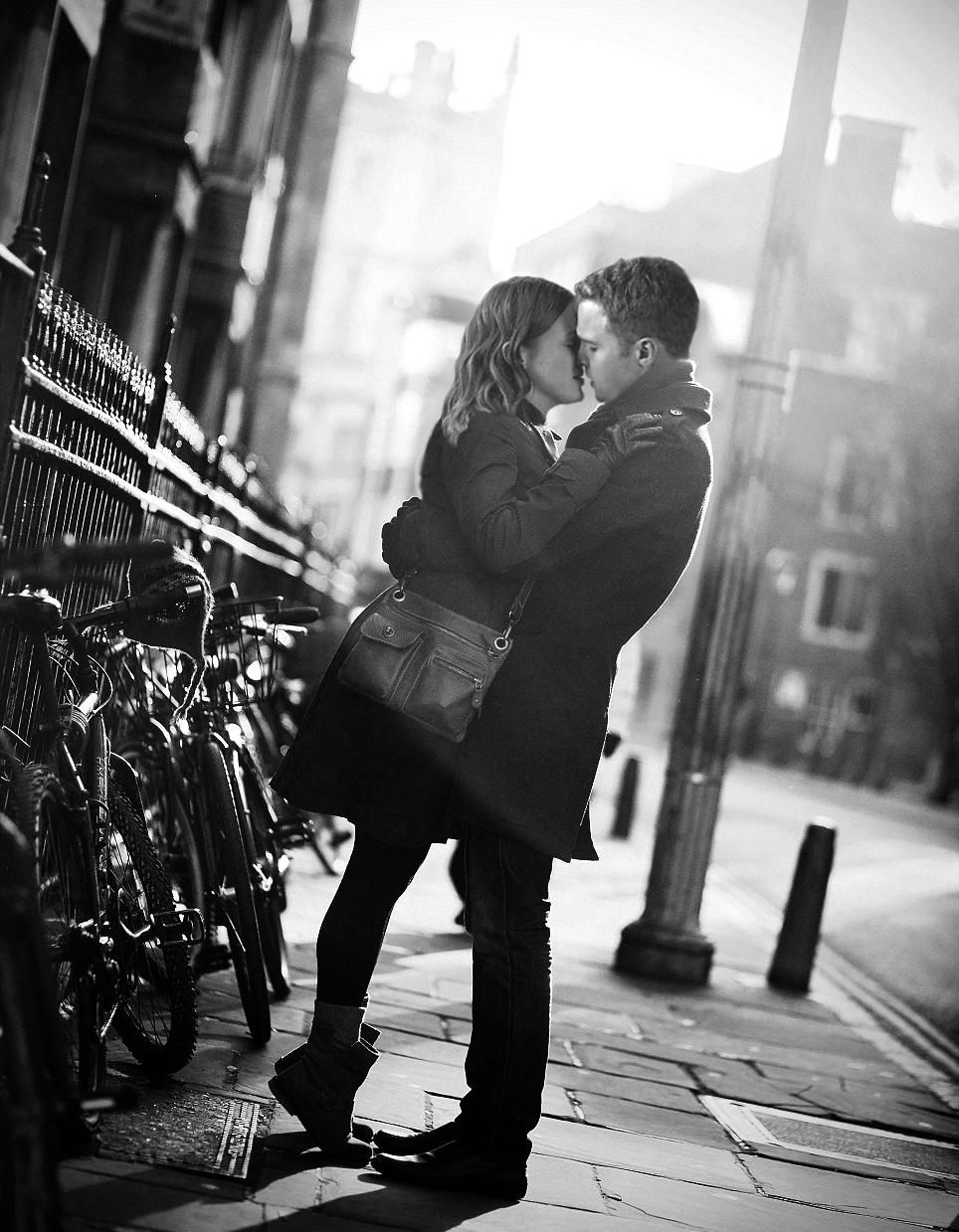 частности, трогательные фото о любви глубине