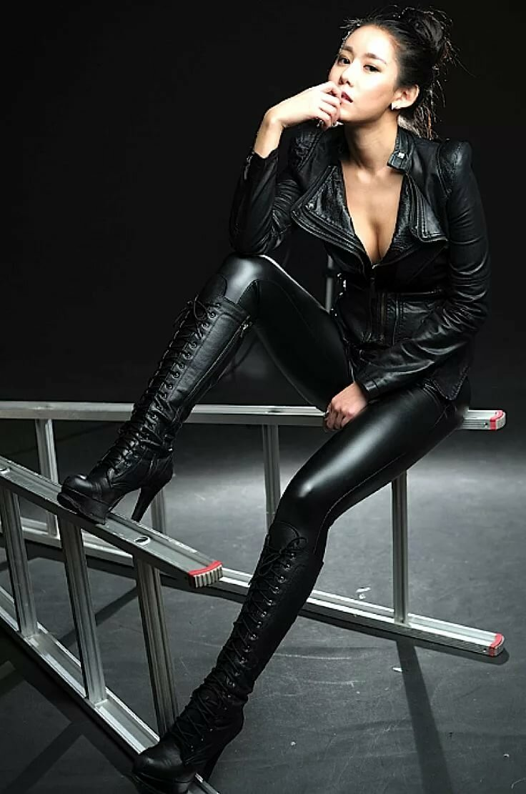 asian-leather-pics-sex-car