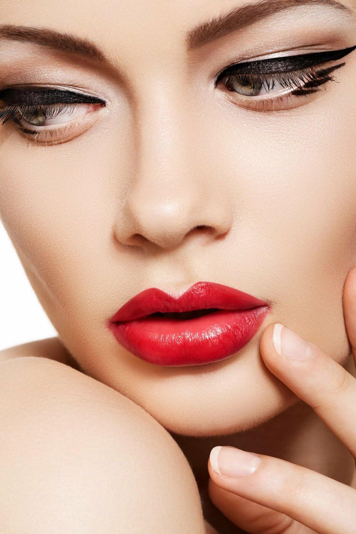онлайн каталог красивые картинки брови губы стрелки имеющейся информации