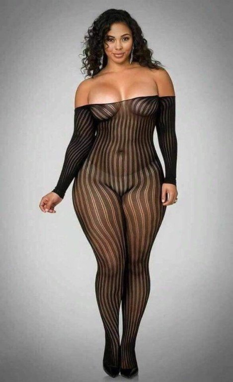 Shelby May Be Short And Slim But She Lengthy Curvy Woman Porngals4 1
