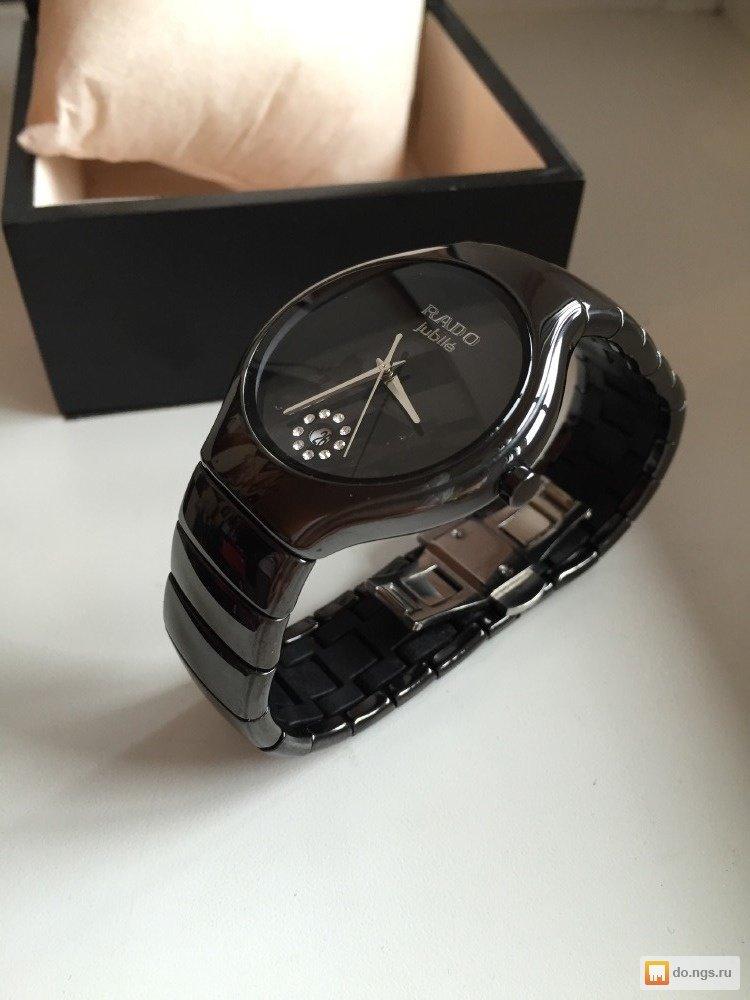Купить наручные часы можно в качестве изысканного и солидного подарка - они прекрасно выглядят, изготовлены из качественного материала и подходят представителям всех возрастных категорий.