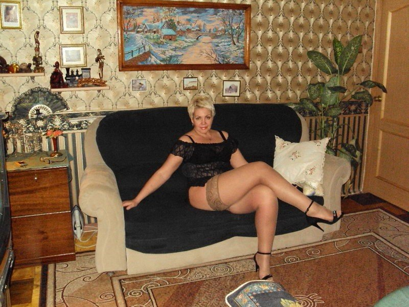 pohozhdeniya-odinokoy-mamochki-v-dome-otdiha-porno-v-yutube-zhenskiy-orgazm