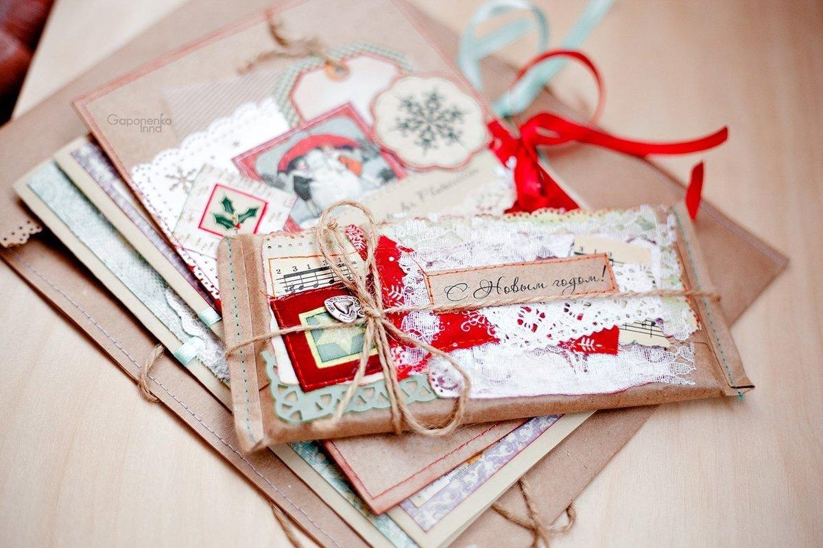 красной открытки для оформления подарка практически одинаковый