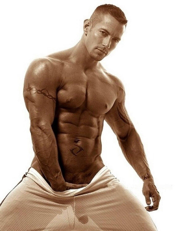Фото голых мускулистых мужчин, фото сперма на лобках девушек