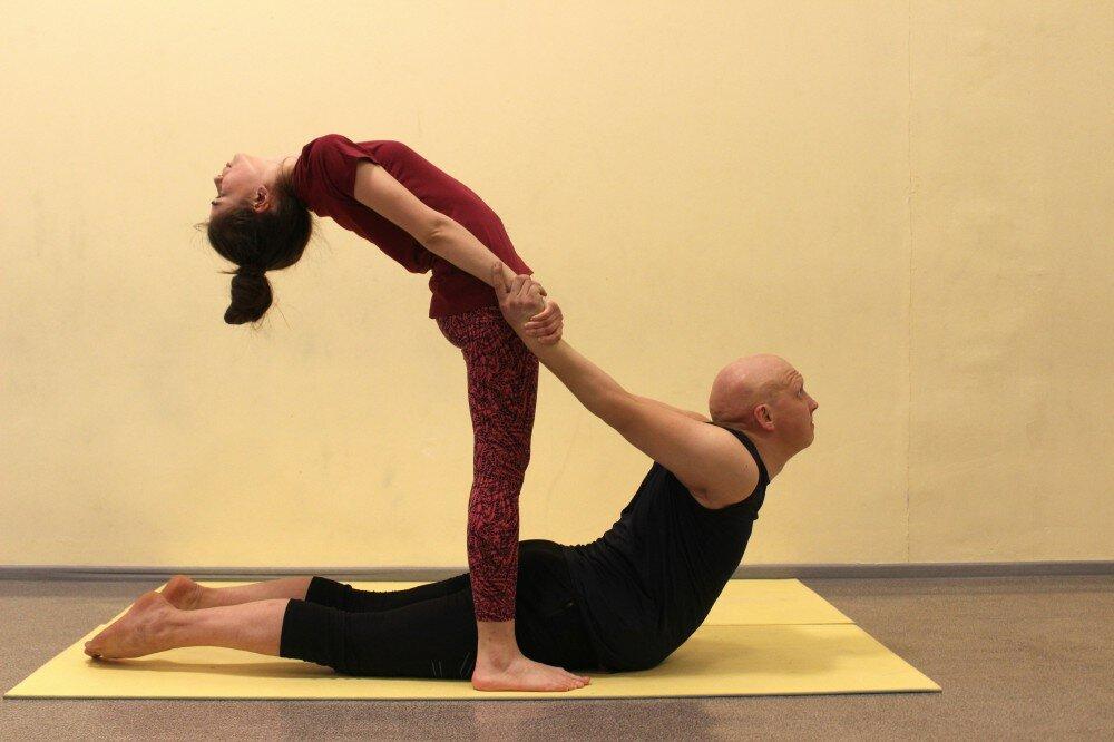 Позы в йоге для двоих в картинках с названиями