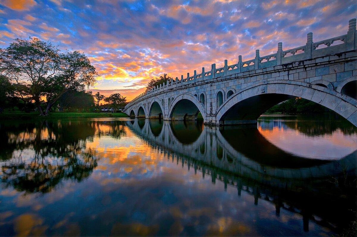 отмечают самые красивые мосты мира в картинках липу высаживали
