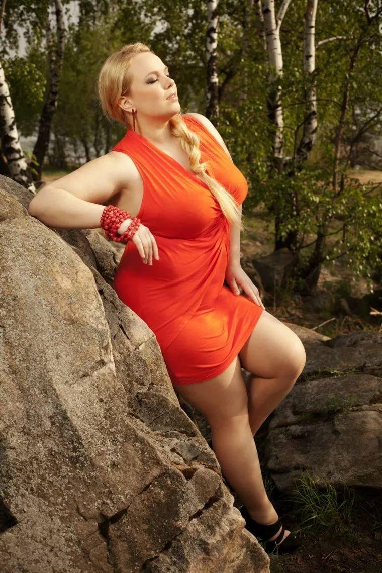Женщины лучше симпатичные пышки смотреть русская