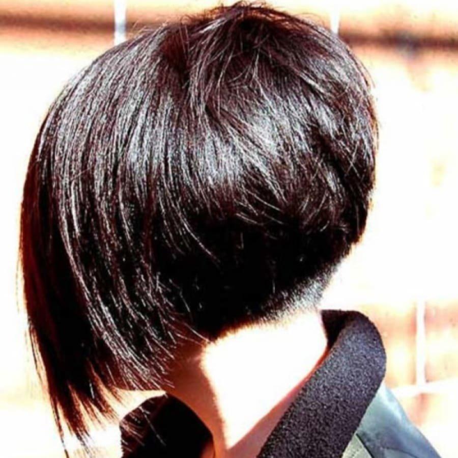 фото девушек брюнеток с короткими волосами со спины себя