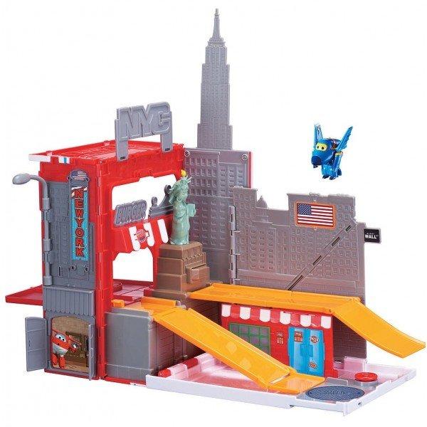 Ярко-красный кейс Большой Уилсон Chuggington Die-Cast — это огромная игрушка с удобной ручкой,