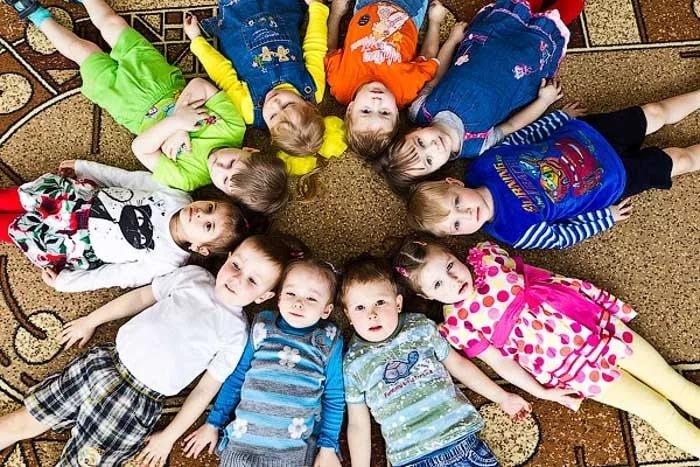 Открытки, смешные картинки группы детей