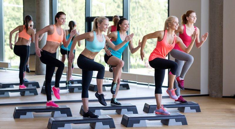Фитнес-зал - групповые занятия степ-аэробикой