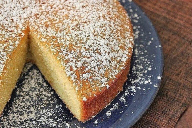 Узнайте, как приготовить пирог со сметаной из нашей рубрики.