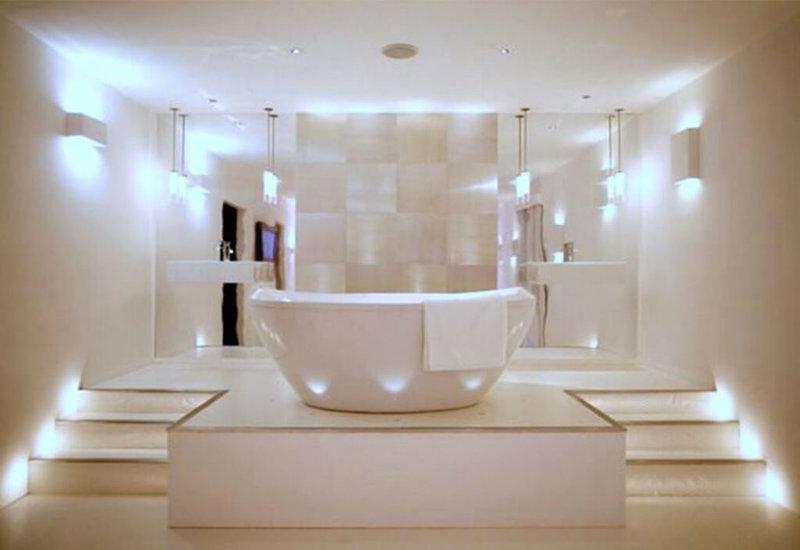 Как организовать освещение в ванной комнате правильно? Какие обозначить зоны? Как их выделить?