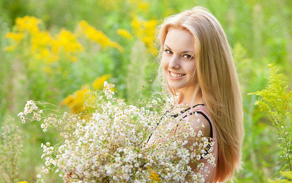 Фото скромных жен, смотреть онлайн после анала худенькой блондинке кончили в рот