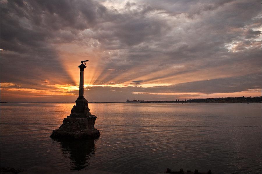 Скрапбукинг, памятник затопленным кораблям картинки