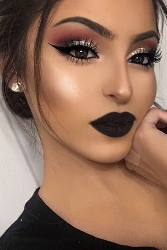 Prom night is Here are some gorgeous prom makeup looks that you will positively love! Prom night is