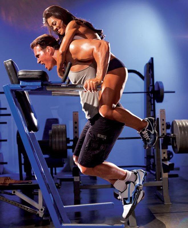 вообще, это парень с девушкой в спортзале после такого она