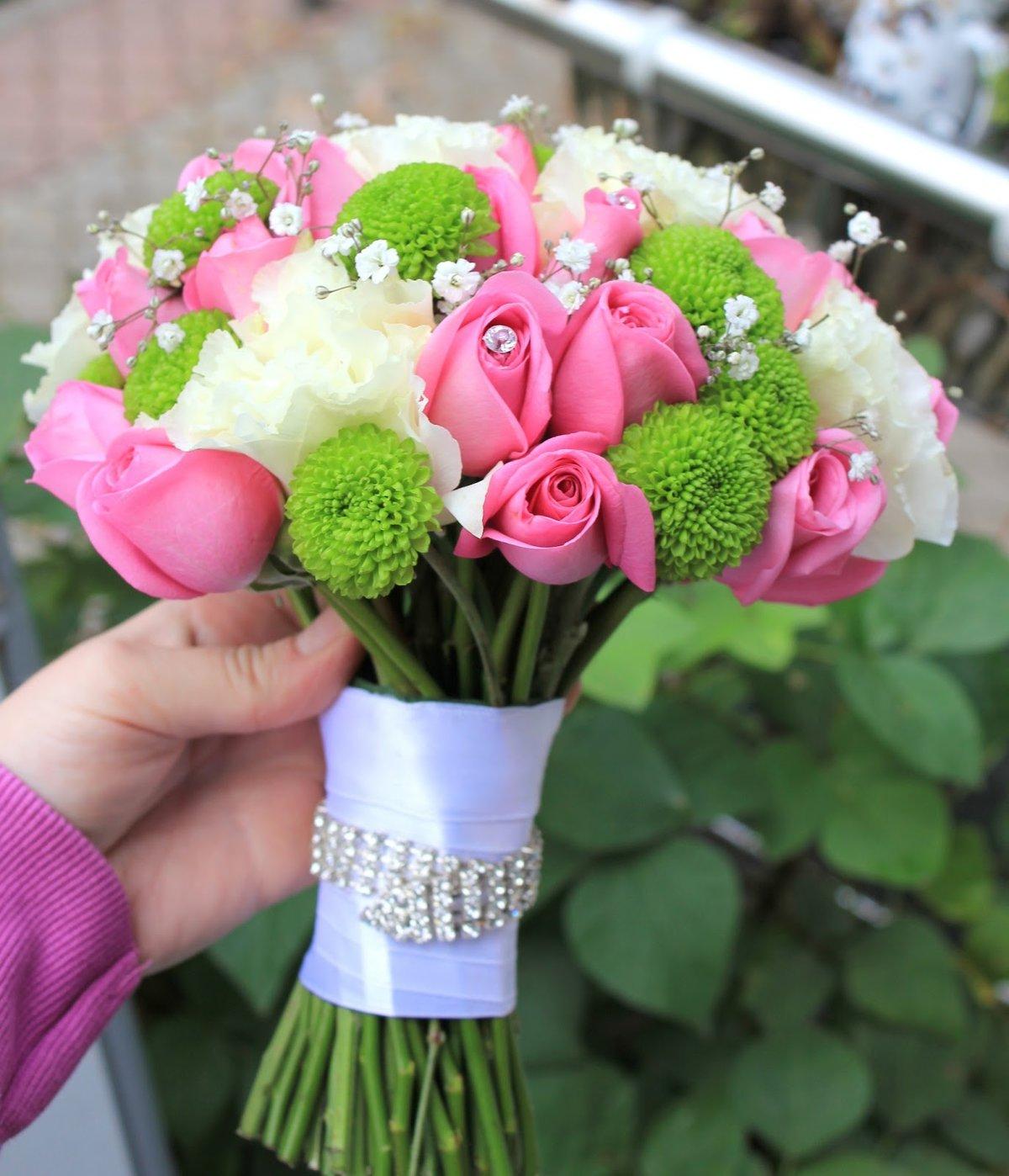 Доставка цветов, свадебный букет французская роза хризантема