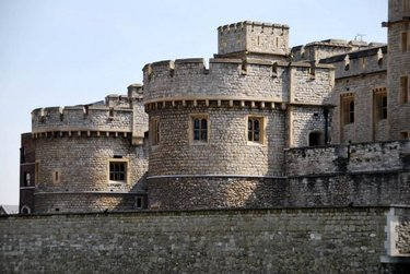 романский стиль в архитектуре замки
