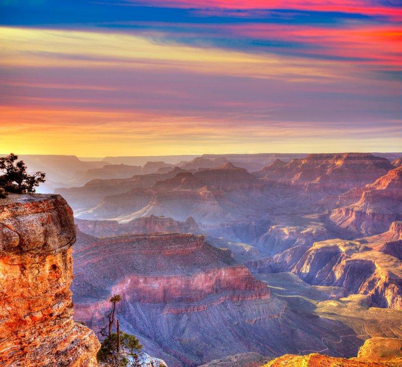 Большой каньон — один из глубочайших каньонов в мире.