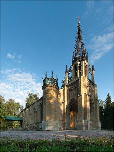 церковь в парголово в шуваловском парке