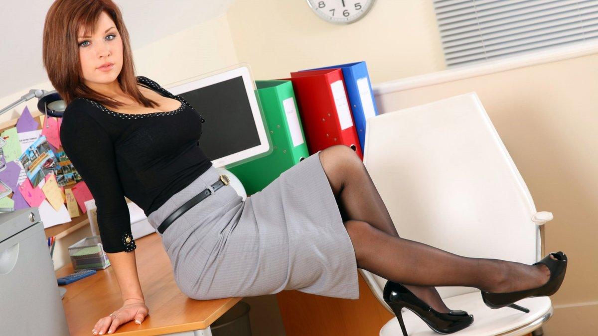Секретарша в короткой юбке смотреть, бои без правил у женщин порно