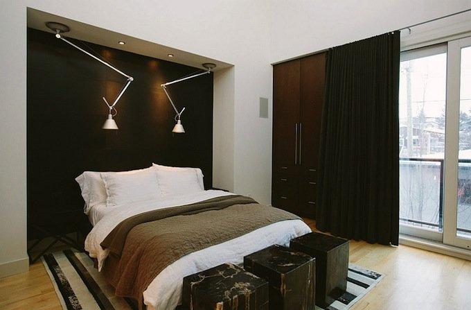 Черная необычная мебель в спальне