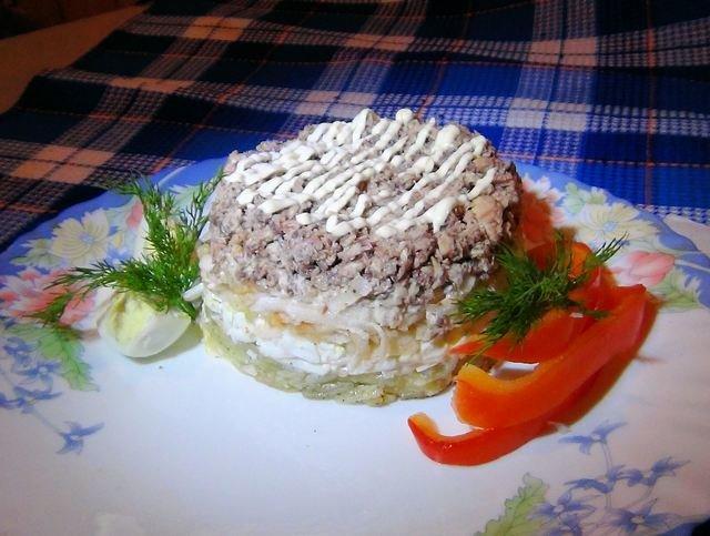 Самый вкусный салат с рыбой