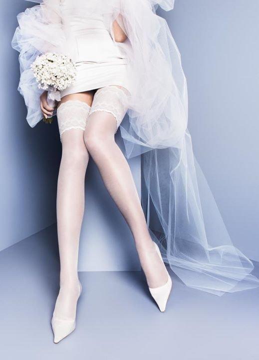 связанная чулками невеста фото - 9