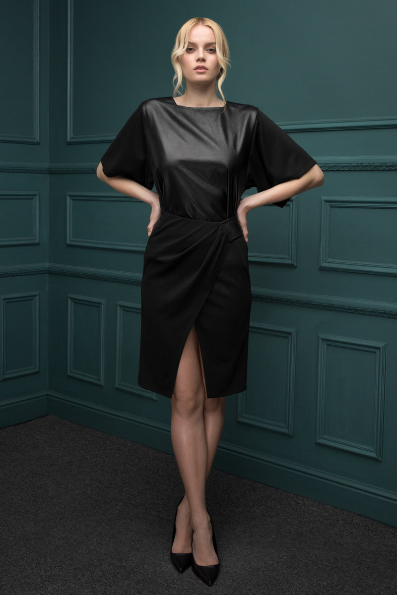 Комбинированное платье из кожи и трикотажа черного цвета