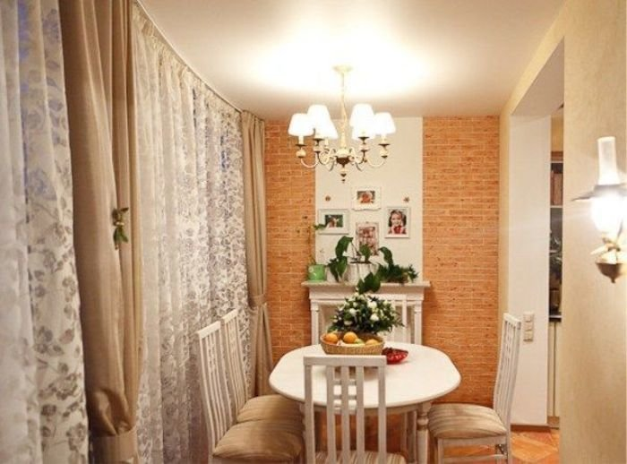Присоединение панорамного балкона с кухней..