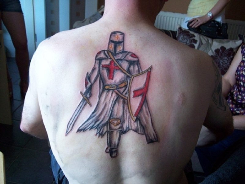 что означает тату крестоносец учетом постепенного развития