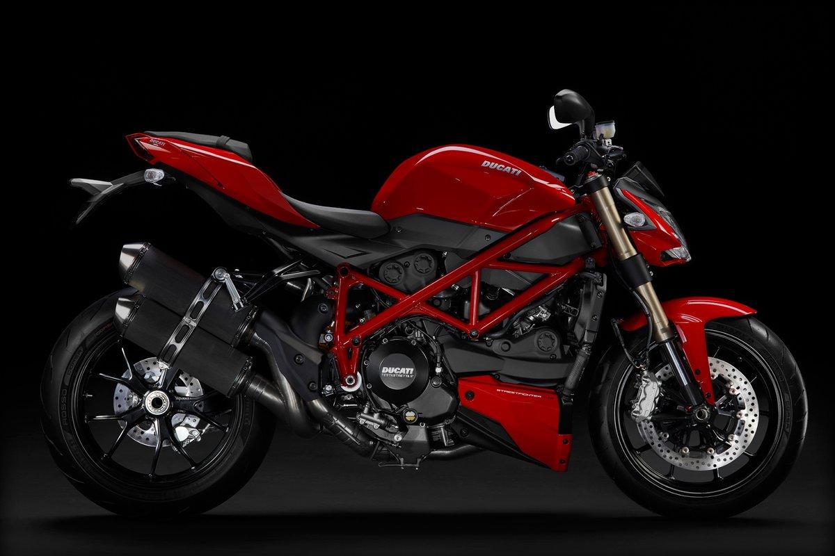 naked-bike-motorcycle